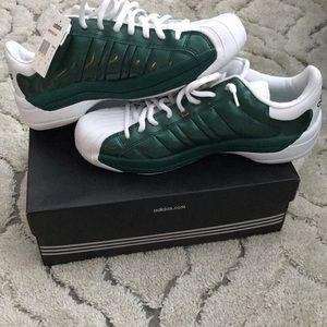 New* Men's adidas superstar sneakers